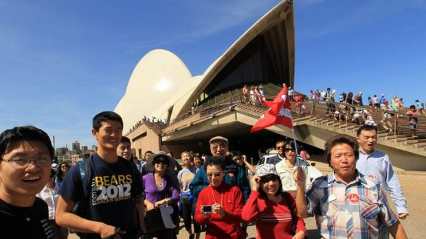 Chinese-tourists-in-Australia